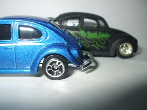VW 1300 da Maisto e ao fundo Jada